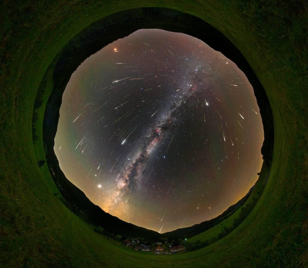 Svieťme si na cestu... a nie na hviezdy. Astro foto súťaž Tomáš Slovinský